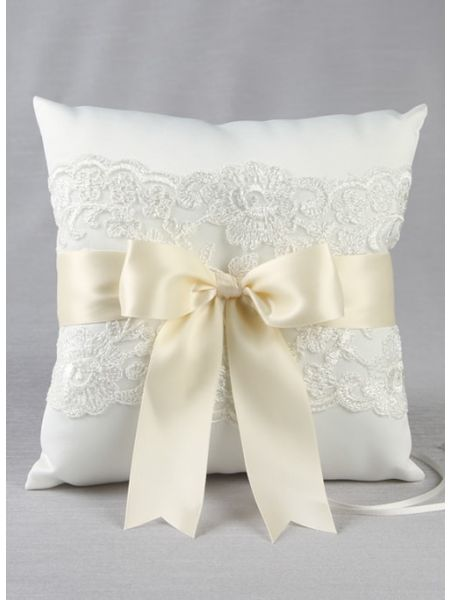 Chantilly Lace Ring Pillow