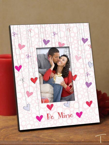 Tenereze Exclusive | Hanging Hearts Frame
